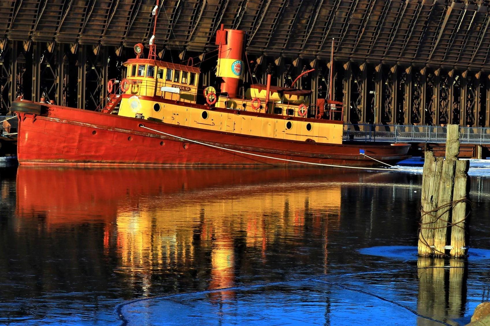 Enda G along Two Harbors Ore Docks